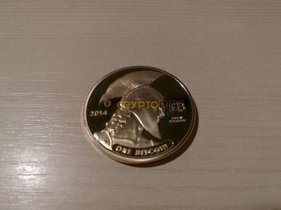 bitcoin ezüst érme)