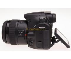 Sony A58 DSLR fényképezőgép tartozékaival